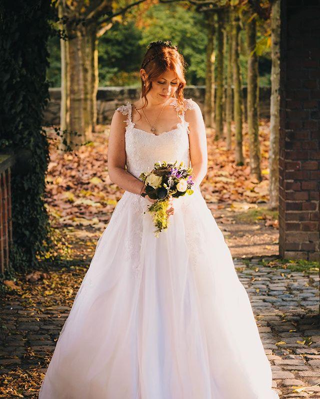 Bridal portrait #wedding #weddingphotography #fujifilm #xpro2 #gettingmarried #bride #cologne #photographer #fuji #köln #bergischgladbach #hochzeit #bridalportrait