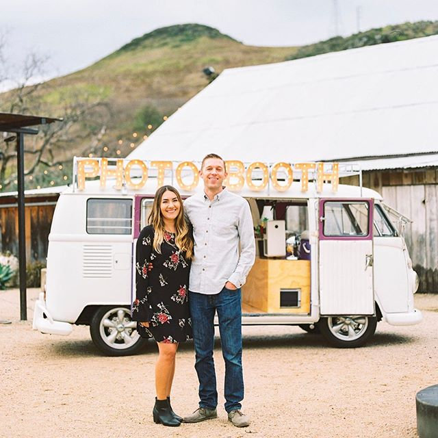 Meet Kasem & Brittany- the newest members of The Photo Bus family! The two of them and their '66 will be servicing weddings & events around Central/Northern California. We're so stoked to have them on our team! Go check them out-- @slophotobus 📷: @daniellepoffphoto