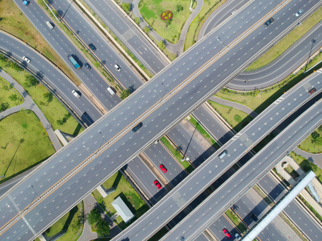 aerial-view-traffic-road-black-asphalt-and-car-on-nature-bird-eye-view_53089-59.jpg