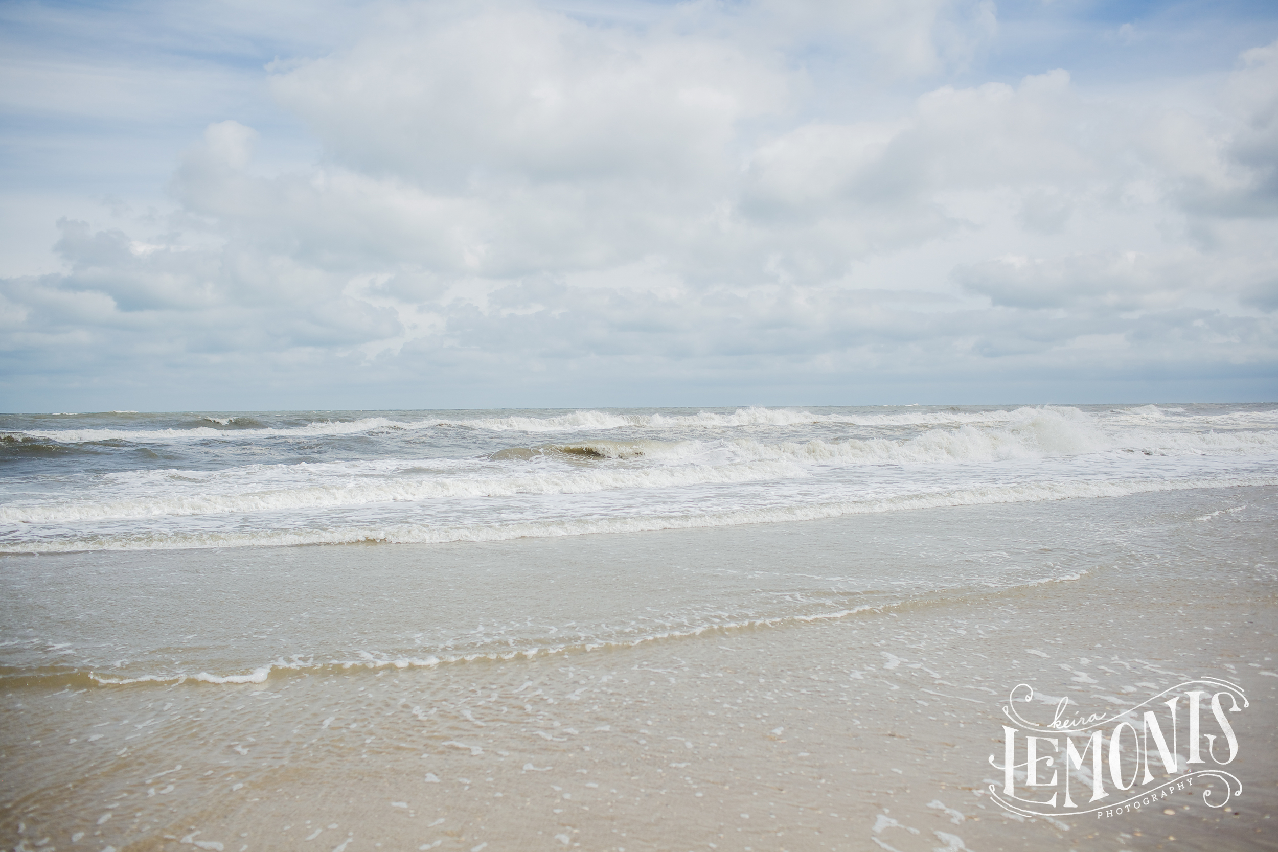 """""""The ocean stirs the heart, inspires the imagination and brings eternal joy to the soul"""" - Wyland"""
