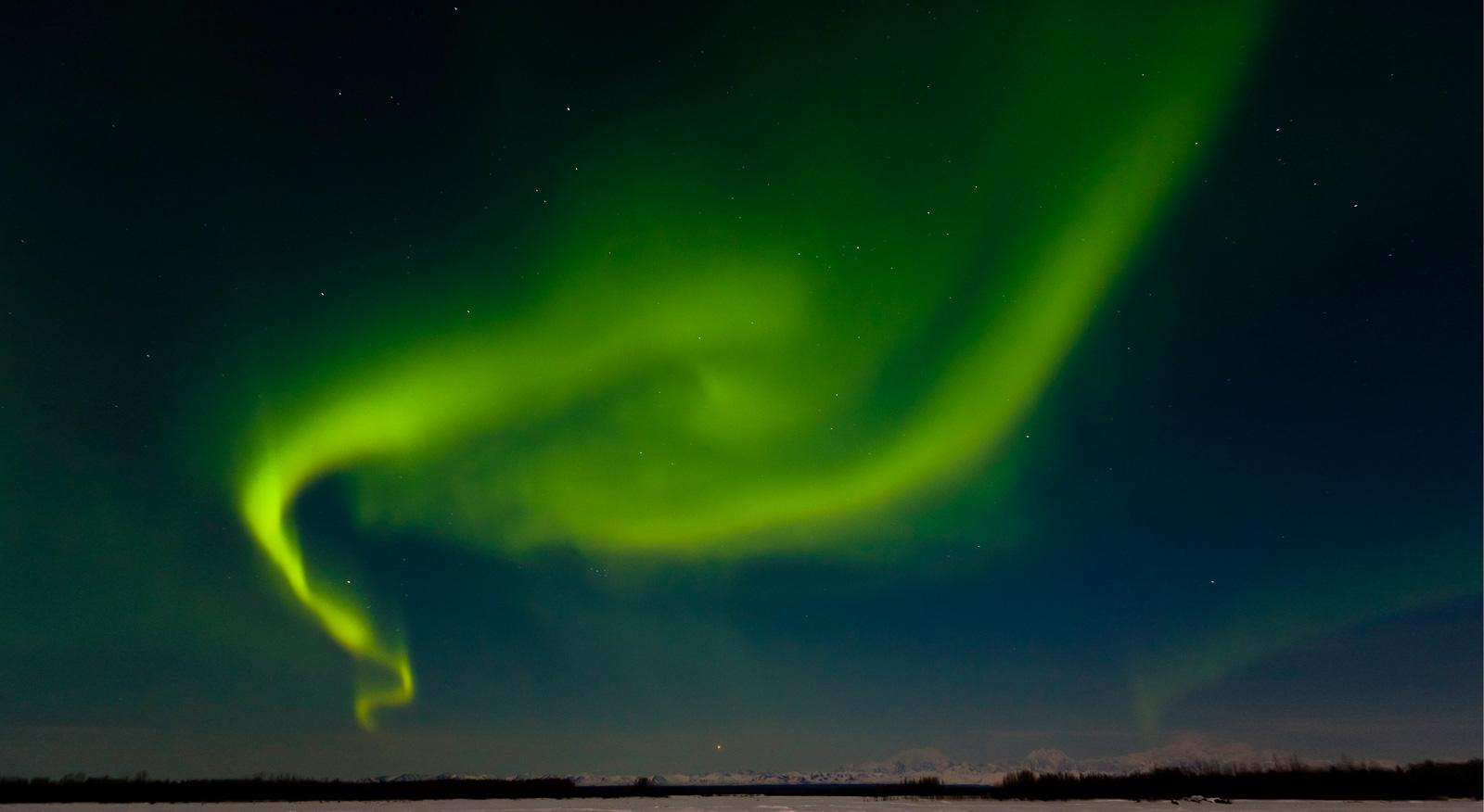 YE6V3365 - R.M.Allnutt photo - Northern Lights - Alaska - Mar 2007 (crop).jpg
