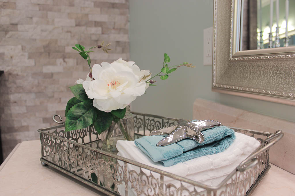 Barrie Home Staging Bathroom4.jpg