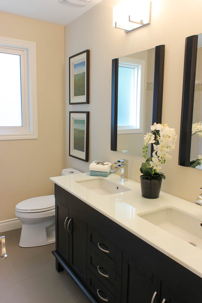 Barrie Home Staging Bathroom5.jpg
