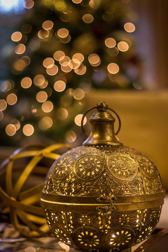 Barrie Holiday Decorating lighting.jpg