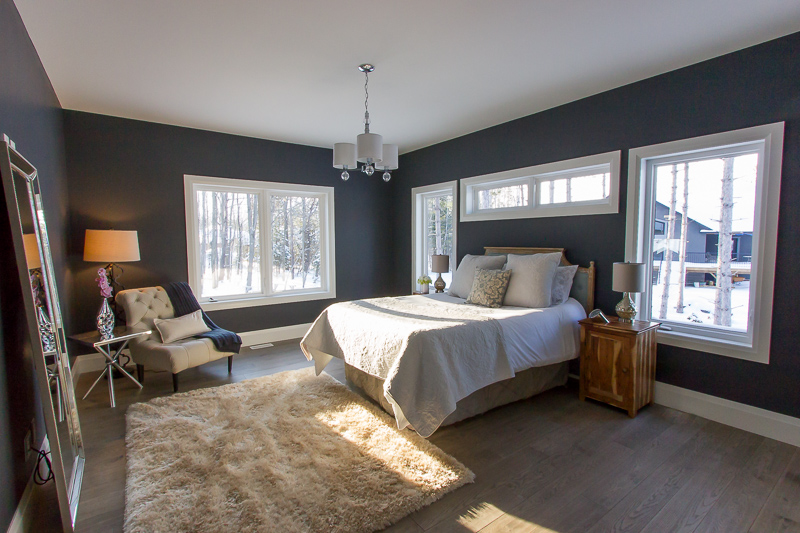 Home staging and interior decorating in a bedroom in Barrie by New Leaf Decor has