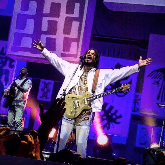 "#natiruts en #lunaparkstadium! grabando ""America Vibra""  @natirutsoficial @alexandrecarlo @juliodocerrado @luismauricio73 @brunowambier @joaoferreiraviolao  #livephotography #musicshow #photography #natiruts #reggae #brasil #reggaeshow #musicconcert #lunapark #musicphoto #musicphotography #natirutsamericavibra"