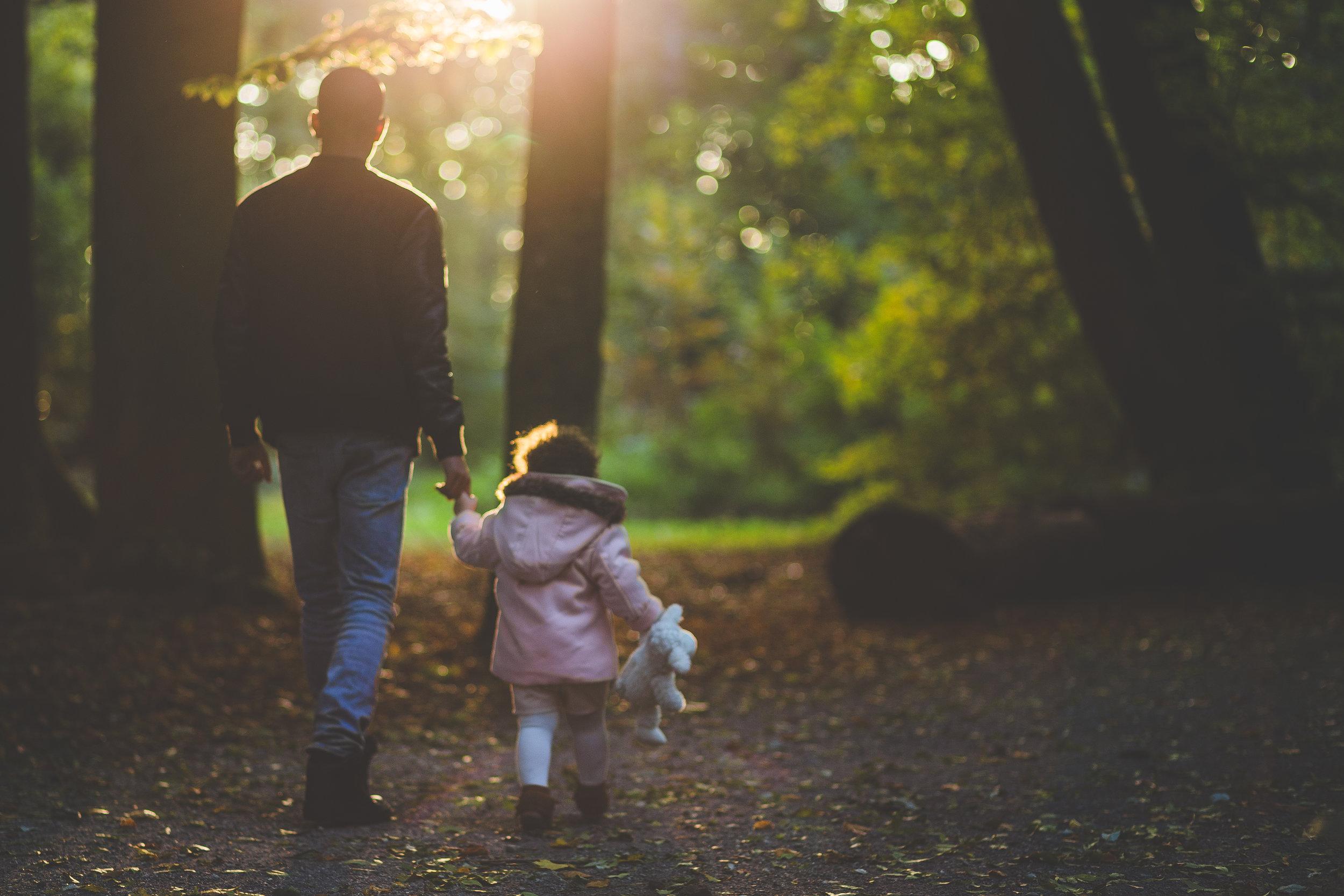 6 av 10 föräldrar tror att deras barn skulle spendera mer tid i naturen om de som familj gjorde fler utflykter i naturen (Källa: STF)