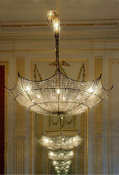 [[Umbrella chandeliers at the Escher Museum, the Hague///LustresdeparapluieauMuséeEscher, laHague]]