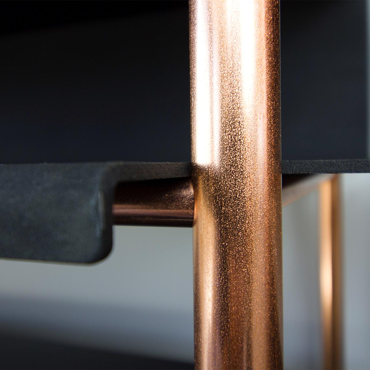 Etagère in copper//Eragère en cuivre
