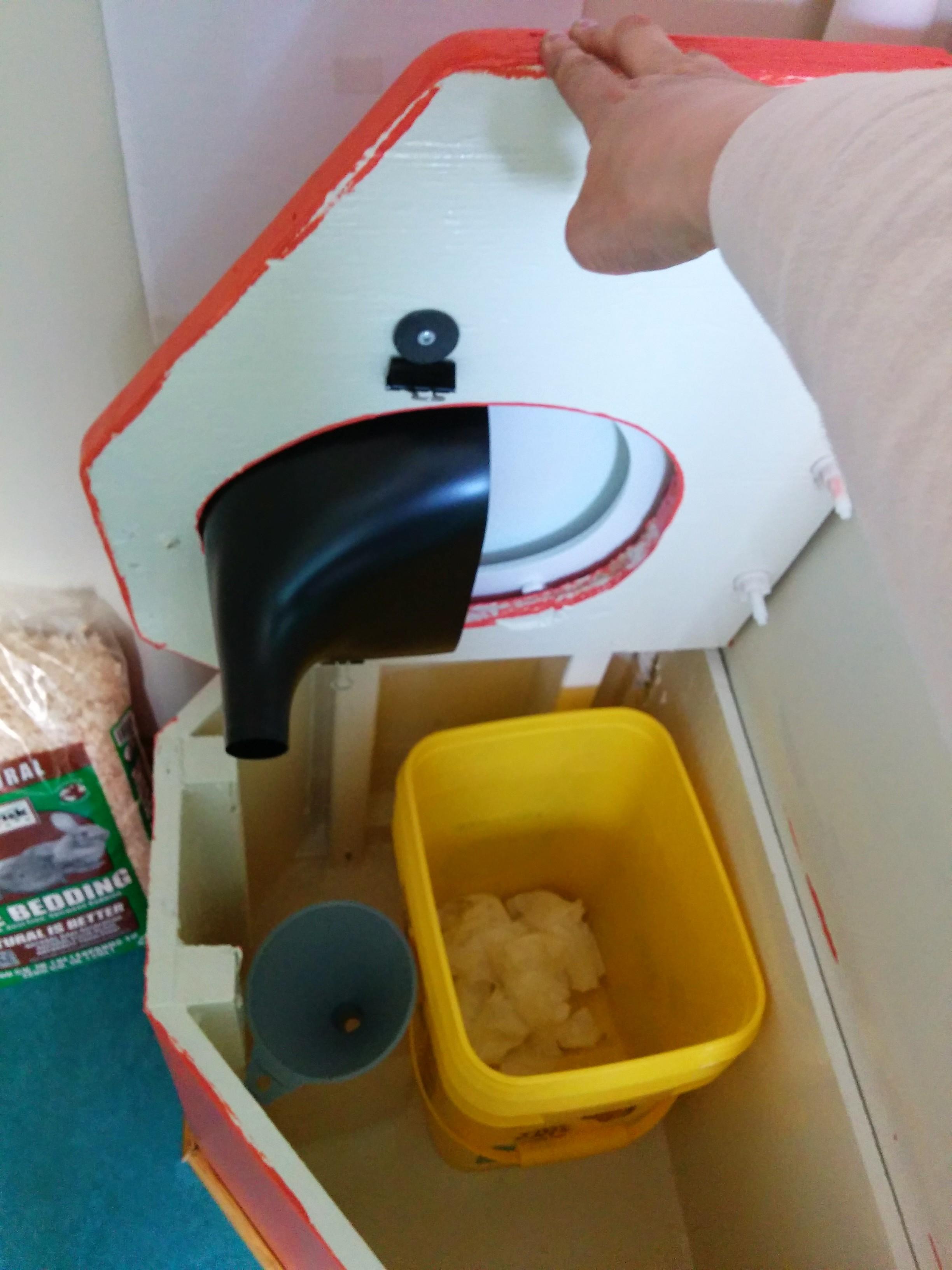 comet-composting-toilet.jpg