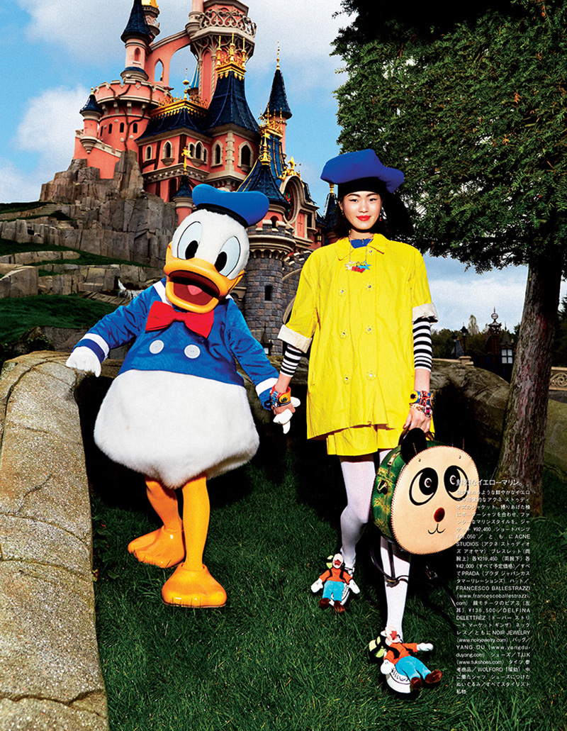Vogue-Japan-Visit-Disneyland_09.jpg