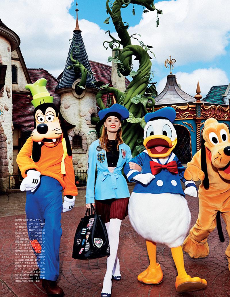 Vogue-Japan-Visit-Disneyland_12.jpg