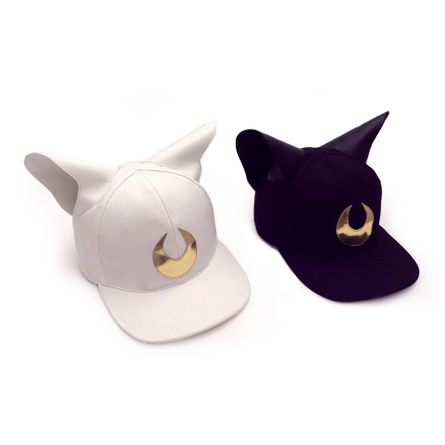 Let's start this #mfw ... With #LUNA and #ARTEMIS ... New cat baseball cap ... #francescoballestrazzi #millinery #hatspiration #fashion #style #stylish #love #me #cute #photooftheday  #beauty #beautiful #instagood #design #cats #moon #sailormoon