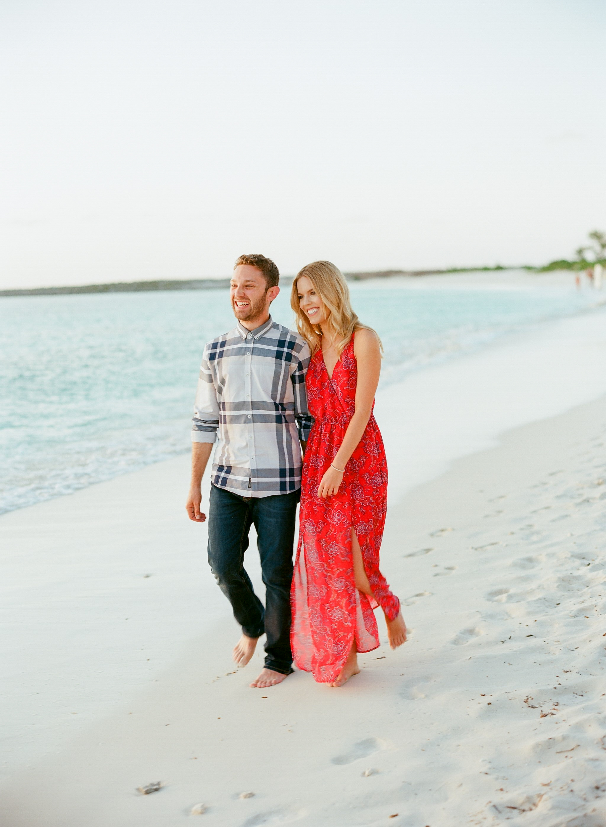 lauren jonas destintation film wedding photographer bahamas