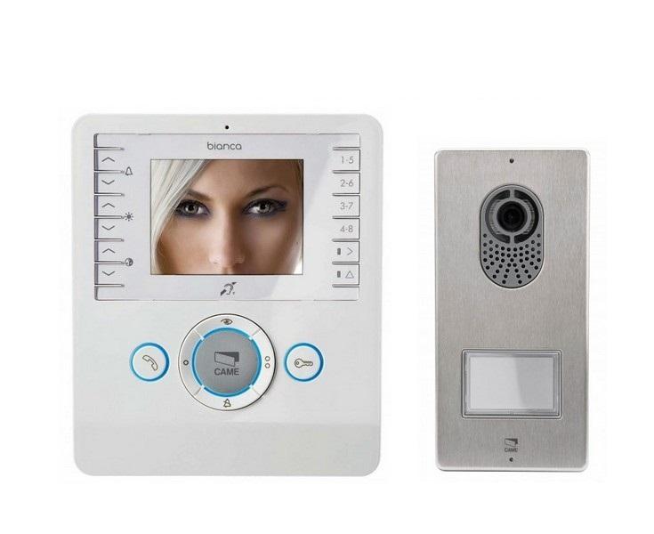 KIT VIDEO    Caractéristiques :   - Moniteur Vidéo BIANCA mains libres, couleur blanc glace  - Plaque de rue vidéo PLACO avec caméra couleur  - Convertisseur 24V AC/18V DC  - Bouton d'appel double hauteur     Avantages :   - Possibilité de commander l'éclairage extérieur à l'aide du moniteur  - Caméra haute qualité avec vision grand angle  1 Contact sec, directement relié à l'automatisme de commande CAME     Prix : 428.22€ TTC (TVA à 20%) (Livraison Offerte)