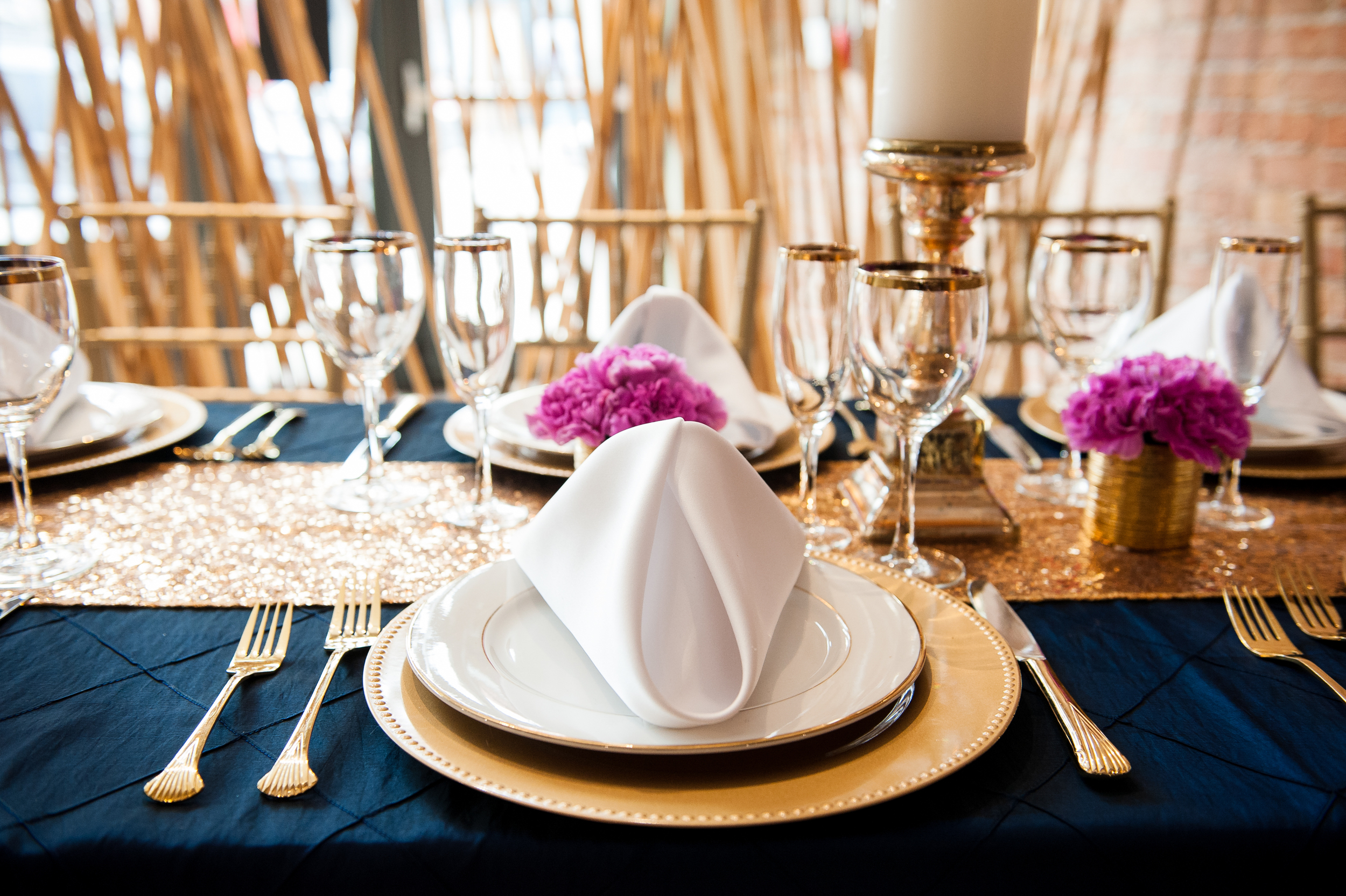 chicago wedding caterer gold place setting-10.jpg