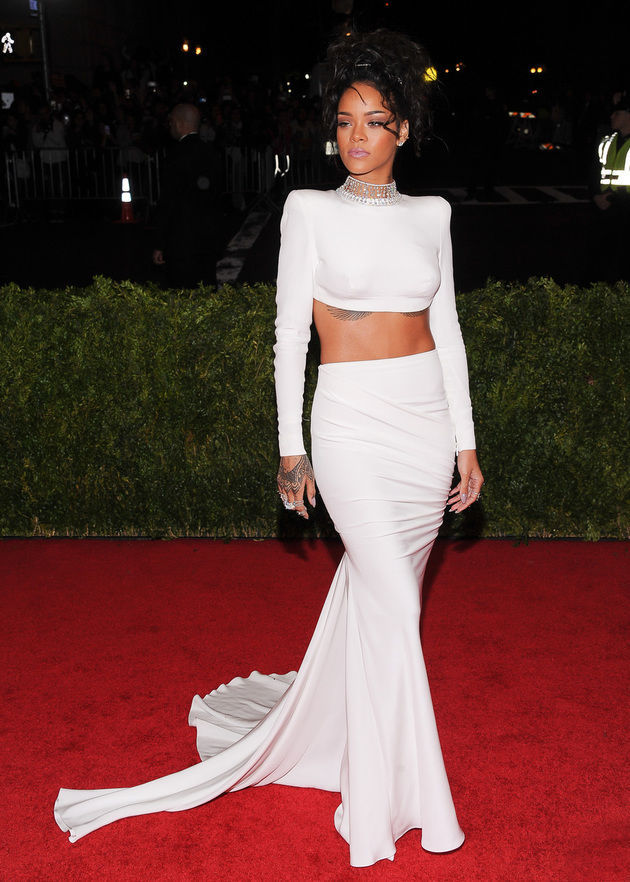 Another wow! Bam! Rihanna wowed big time
