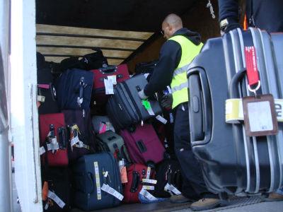 gso.luggage.truck.jpg