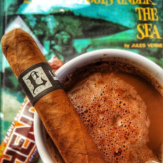 Photo by @bubbspelch #lecciatobacco#leccia#cigar#cigars
