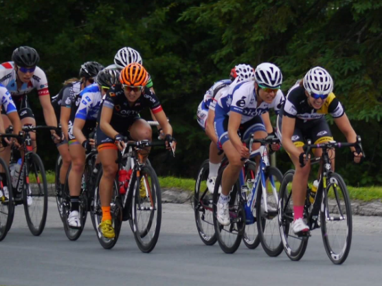 Justine gives it her all in the home stretch of the Road Race sprint. Photo: Cycling Canada