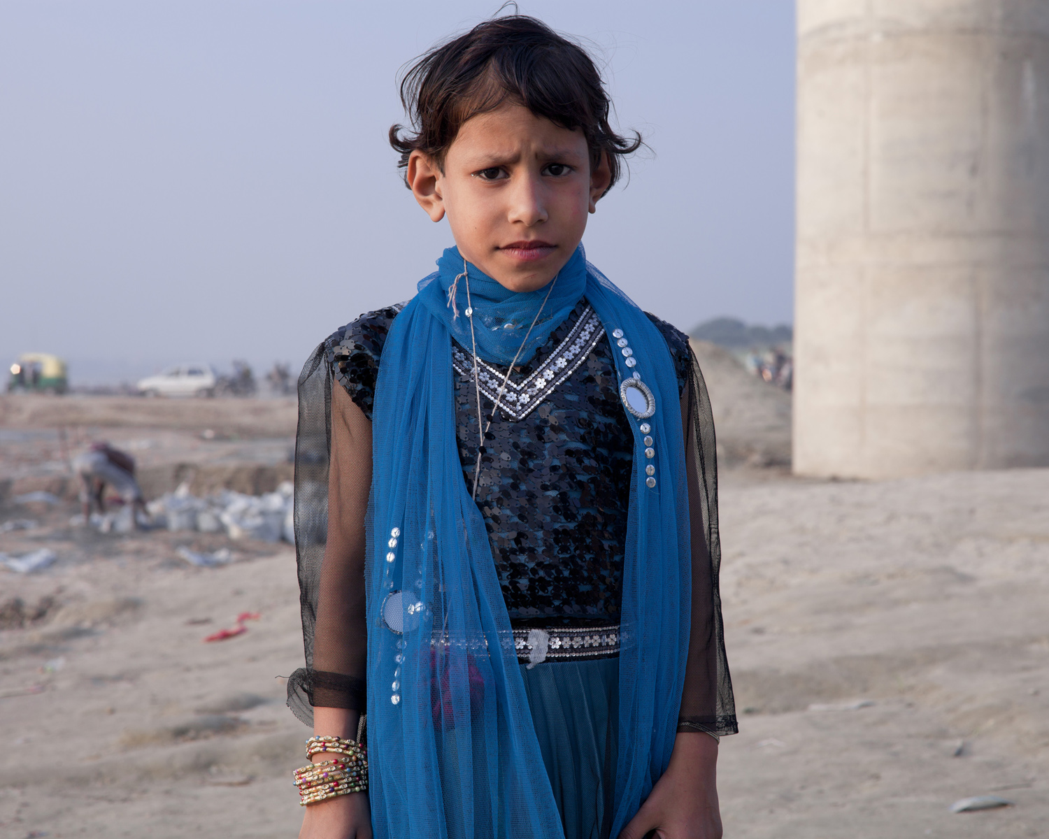 varanasi-bridge-ganges-river-children-india-mark-hadden-photography