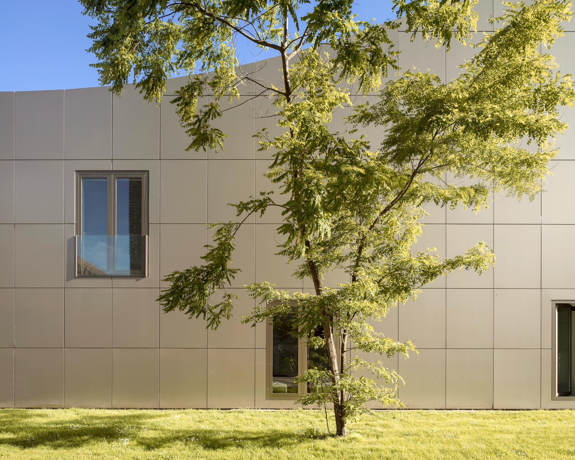 amsterdam-modern-architecture-facade-het-funen-mark-hadden-photography-architectuurfotograaf-117-2.jpg