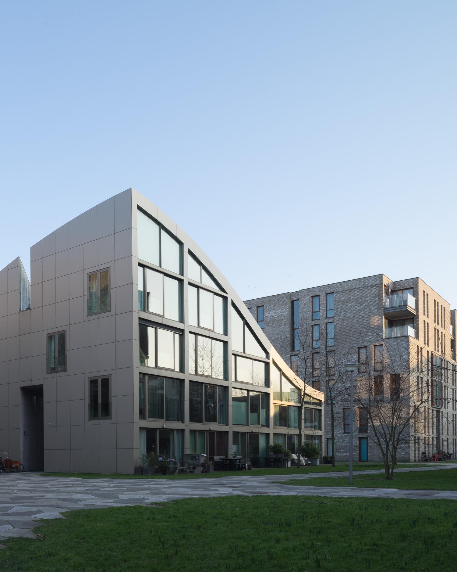 amsterdam-modern-architecture-facade-het-funen-mark-hadden-photography-architectuurfotograaf-007.jpg