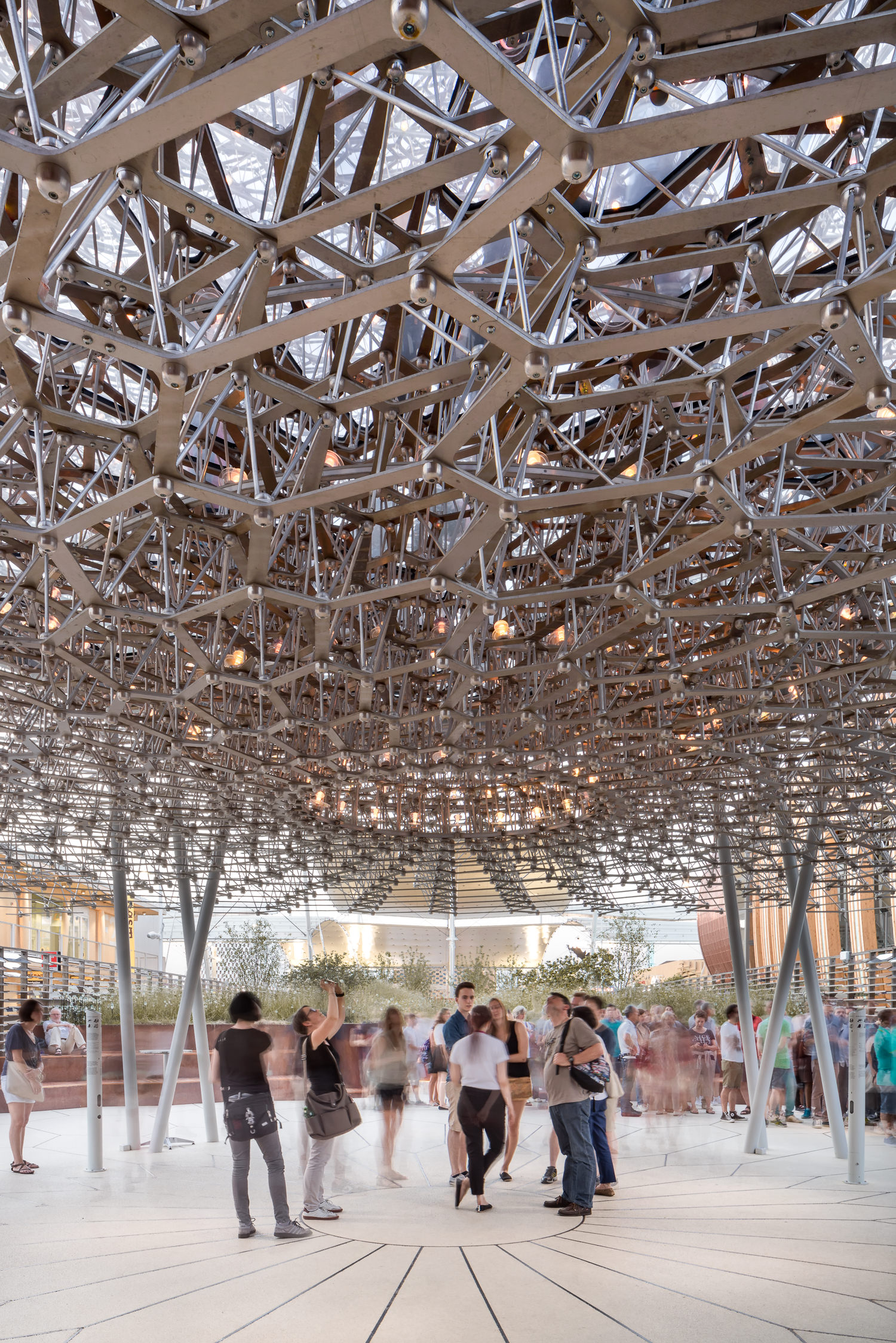 people watching uk pavilion, milan expo, mark hadden architecture photographer