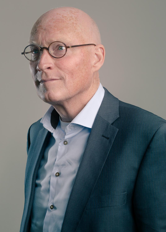 zakelijk-portret-portretfotografie-fotoshoot-mark-hadden-amsterdam-headshot-business-portrait-050.jpg