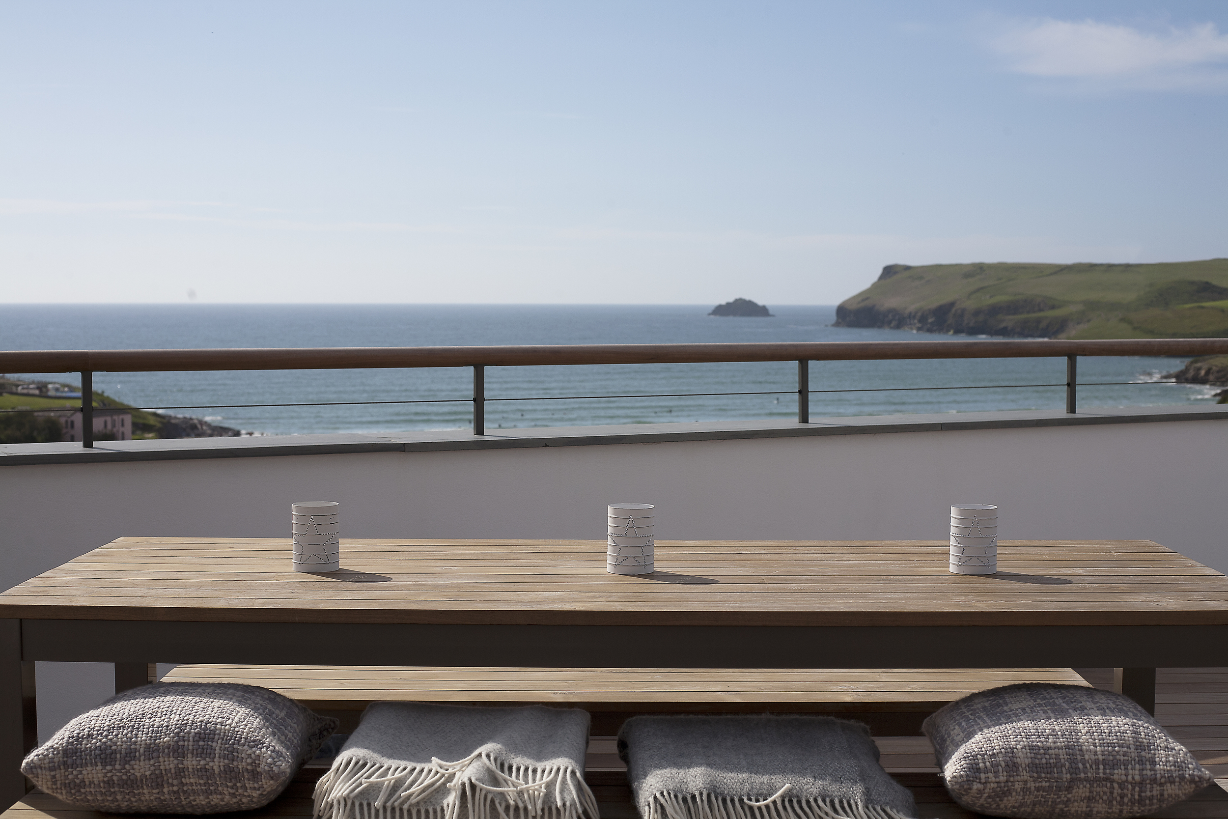balcony:view.jpg