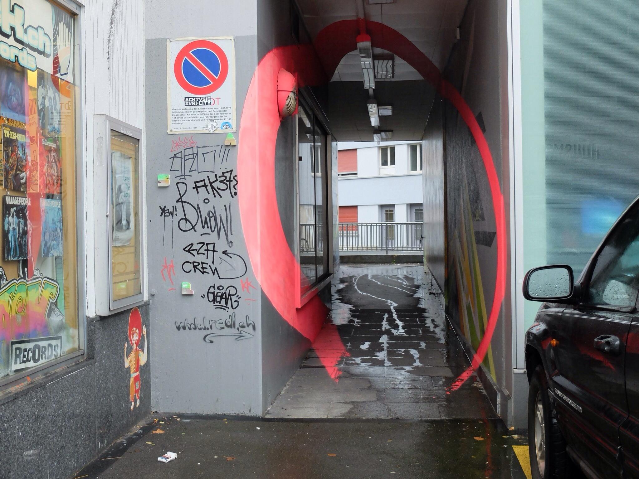 Graffiti von Patrick Redl an der Badenerstrasse