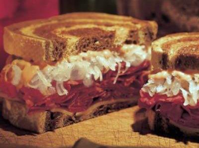 Reuben-Sandwich2.jpg