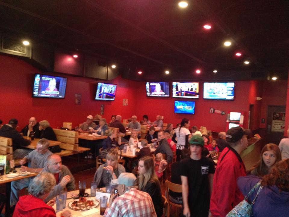 dinning room crowd.jpg