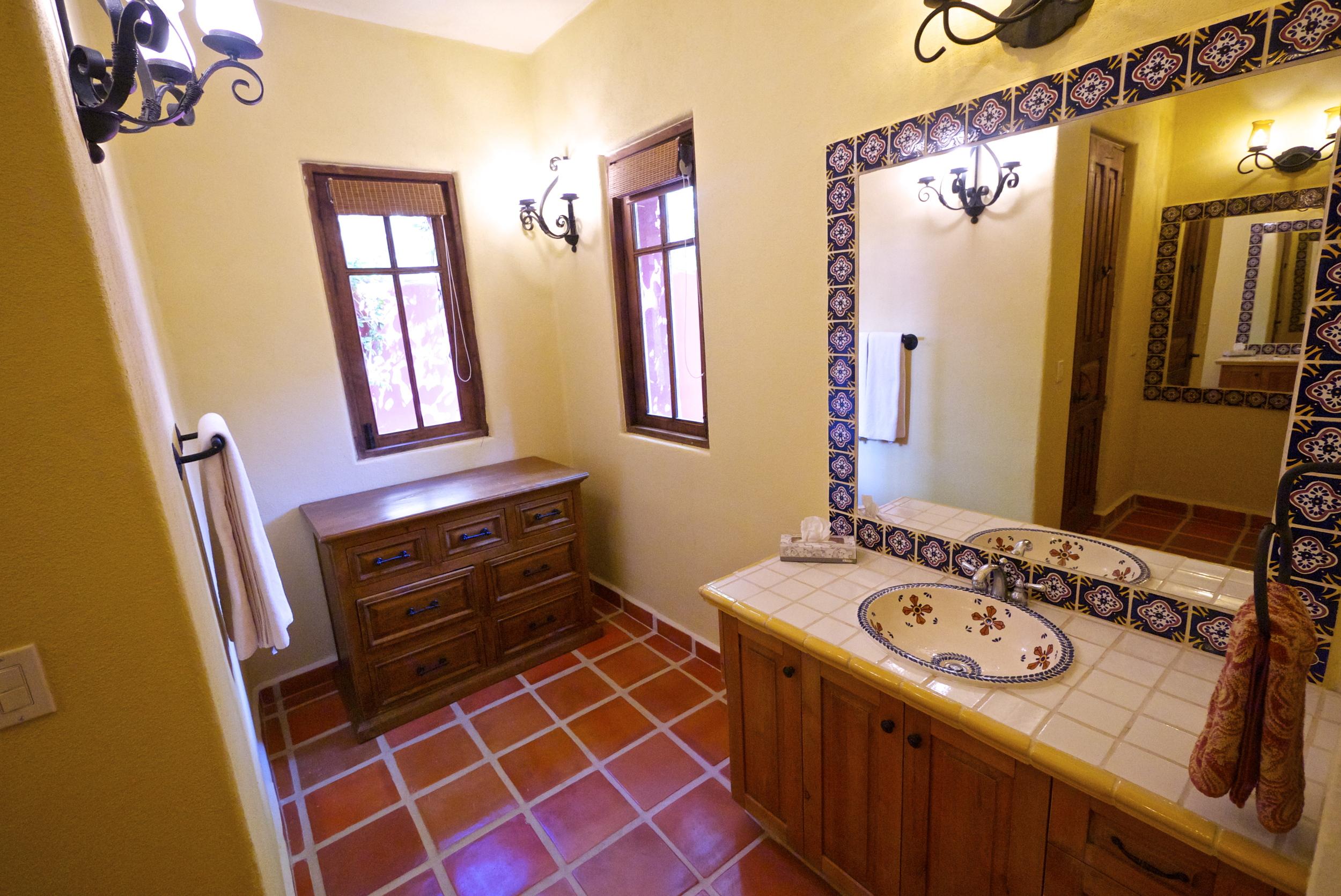 Ground Floor Master En Suite Bathroom