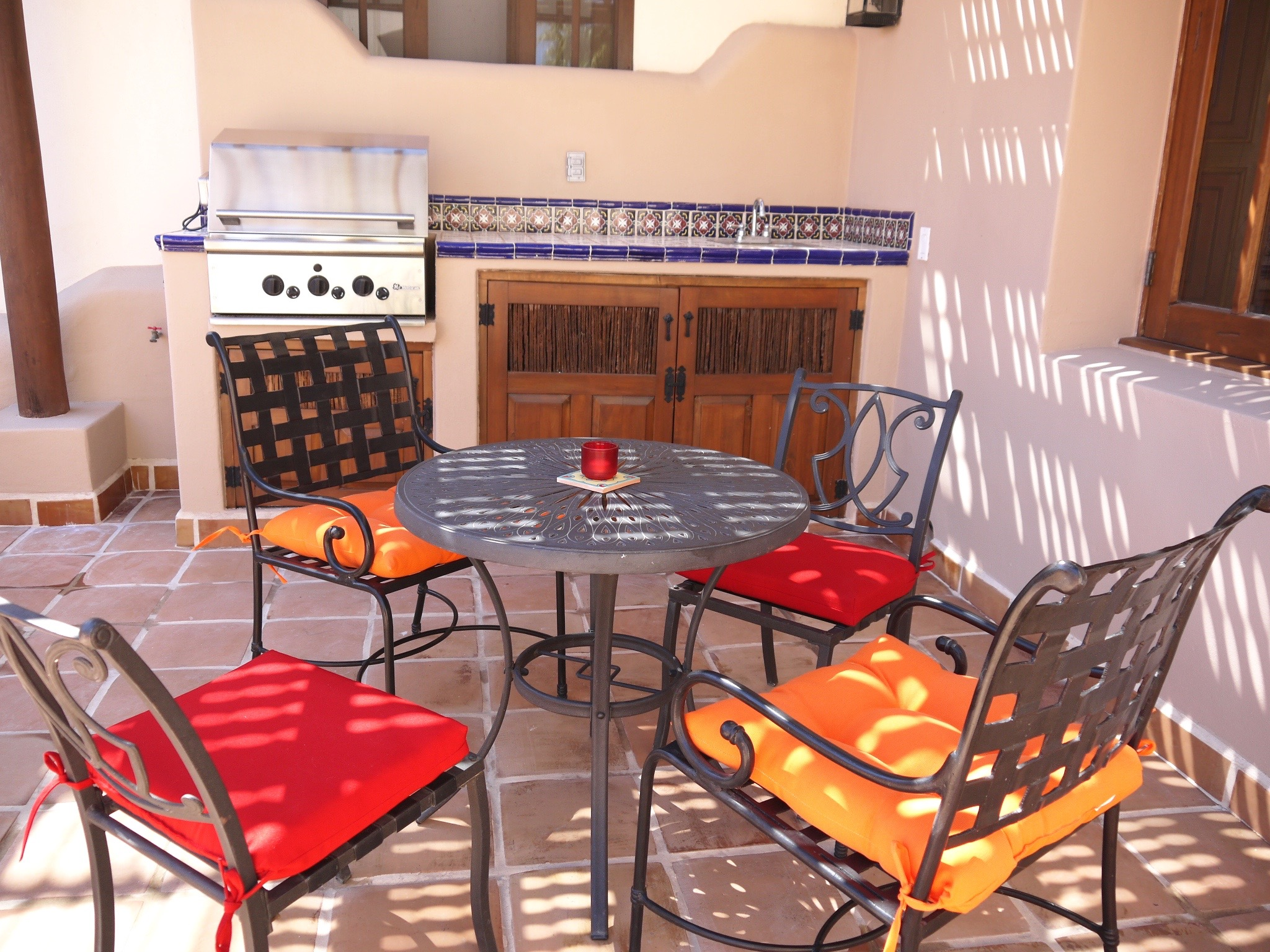 FN318 CASA DANZANTE: 2 BED, 2 BATH