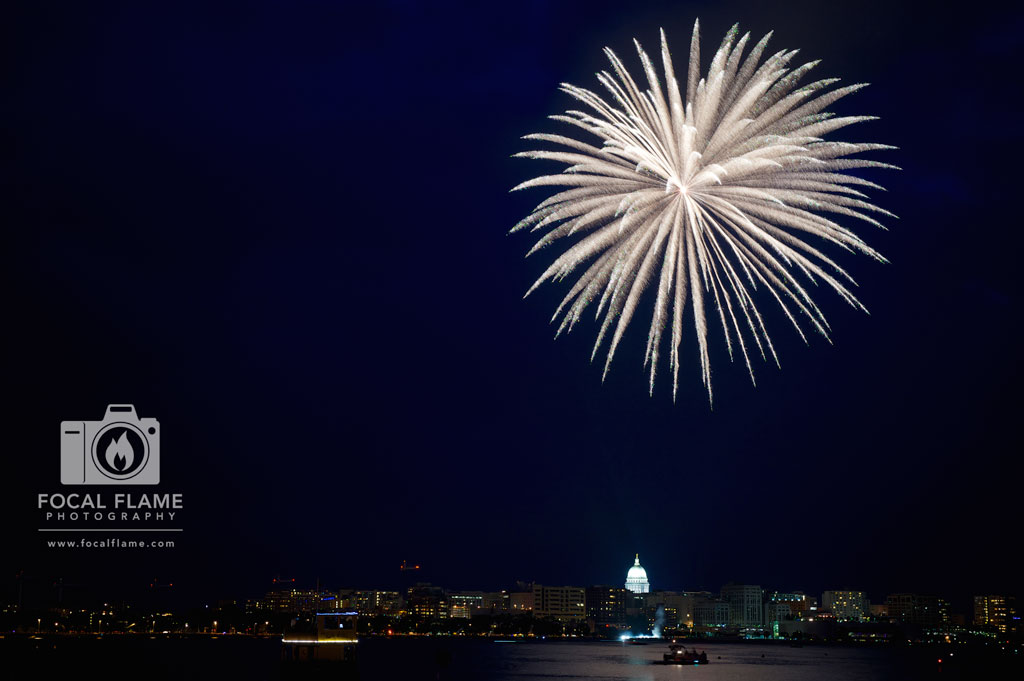The first explosion of the show brought an elegant brilliance to the Madison skyline. (c) 2014 Focal Flame Photography | Photo credit: Clint Thayer