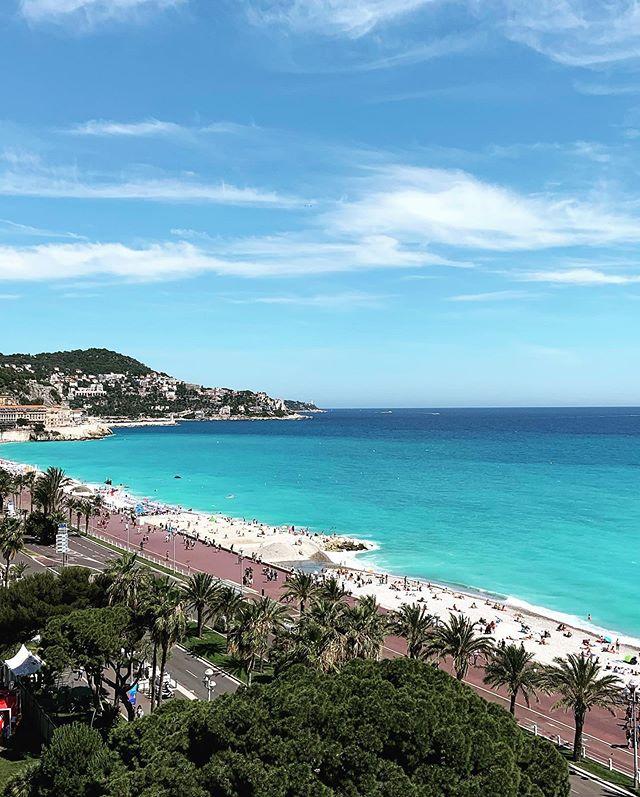 Nice 🌞🌞🇫🇷 🇫🇷 #beach #France #frenchriviera #mbworldtour #sun #shotoniphonexr