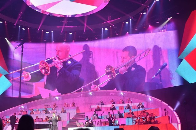 Some trombone love on the big screen at Madison Square Garden with @michaelbuble. 📷 by @angievnyc #trombone #jazztrombone #mbworldtour #bachbrass #msg #newyork #nyc #michaelbuble #bigband