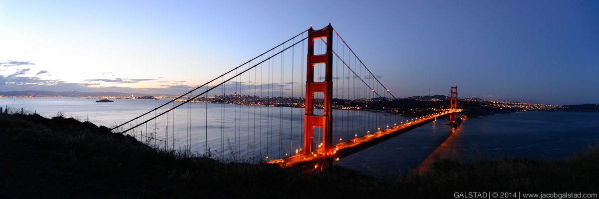 Golden_Gate_Bridge_Pano.jpg