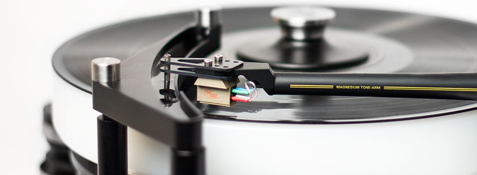 Townshend-Audio-ROCK7-TURNTABLE-widecrop-for-Gallery.png