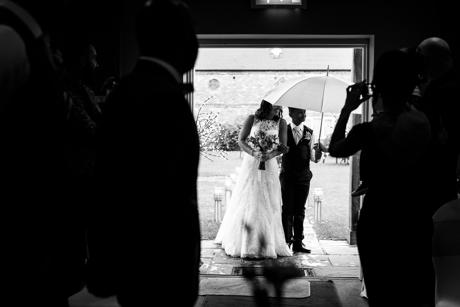 Wet Wedding - Rainy Wedding - Staffordshire Wedding Photography at Slaters Country Inn - jenny Harper Photographher-39.jpg
