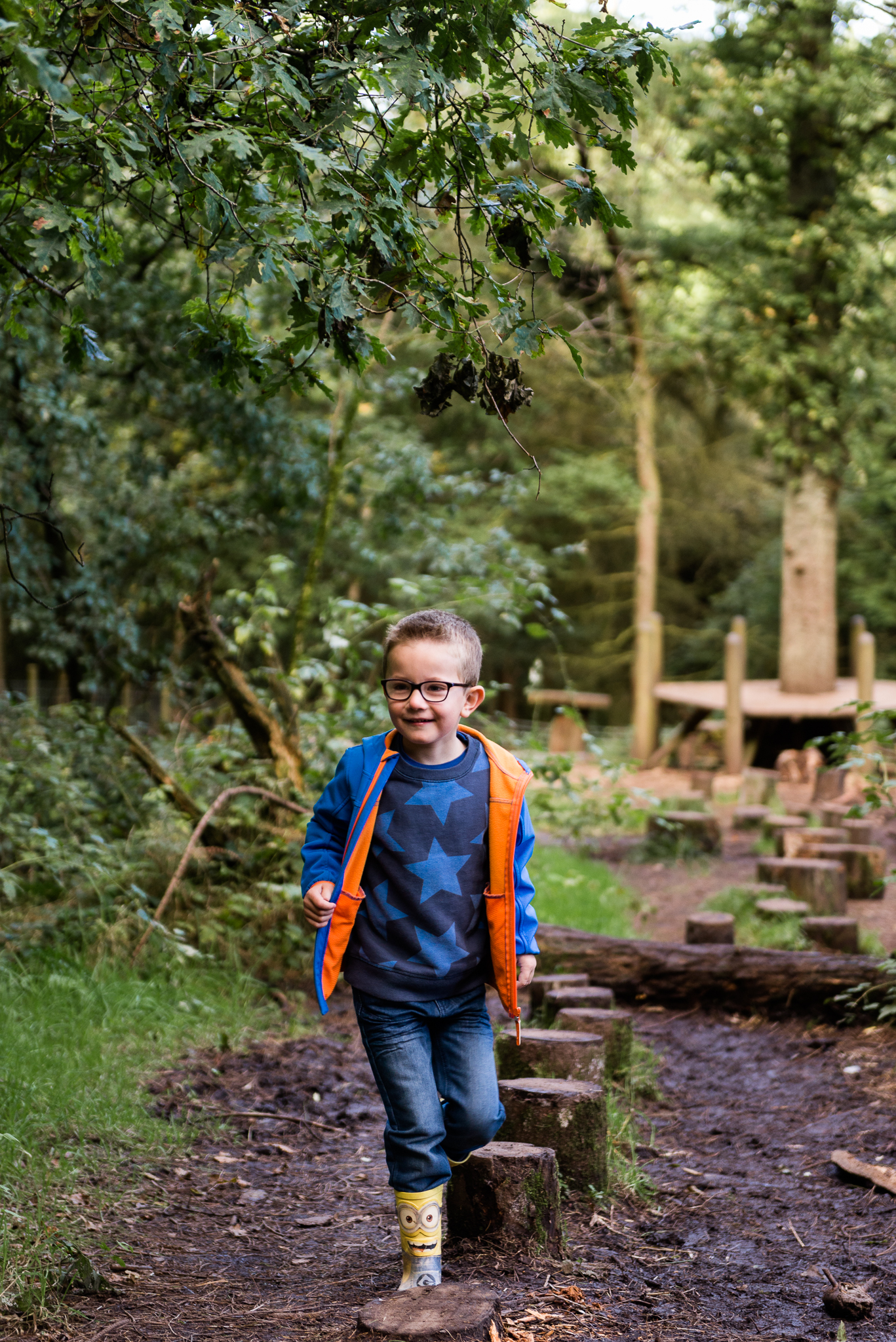 Documentary Family Photography at Clent Hills, Worcestershire Family Lifestyle Photography Woods Outdoors Trees Flying Kite - Jenny Harper-4.jpg