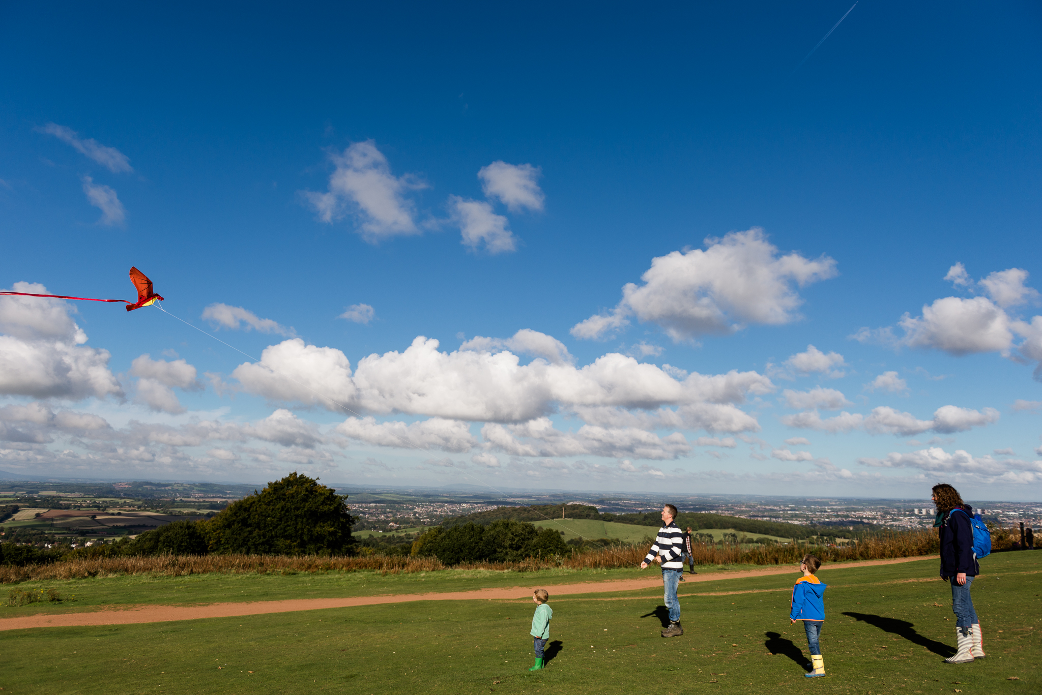 Documentary Family Photography at Clent Hills, Worcestershire Family Lifestyle Photography Woods Outdoors Trees Flying Kite - Jenny Harper-11.jpg