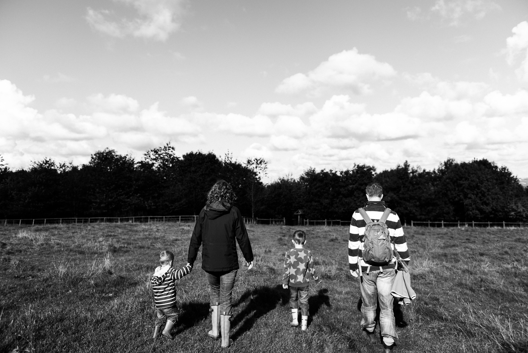 Documentary Family Photography at Clent Hills, Worcestershire Family Lifestyle Photography Woods Outdoors Trees Flying Kite - Jenny Harper-22.jpg