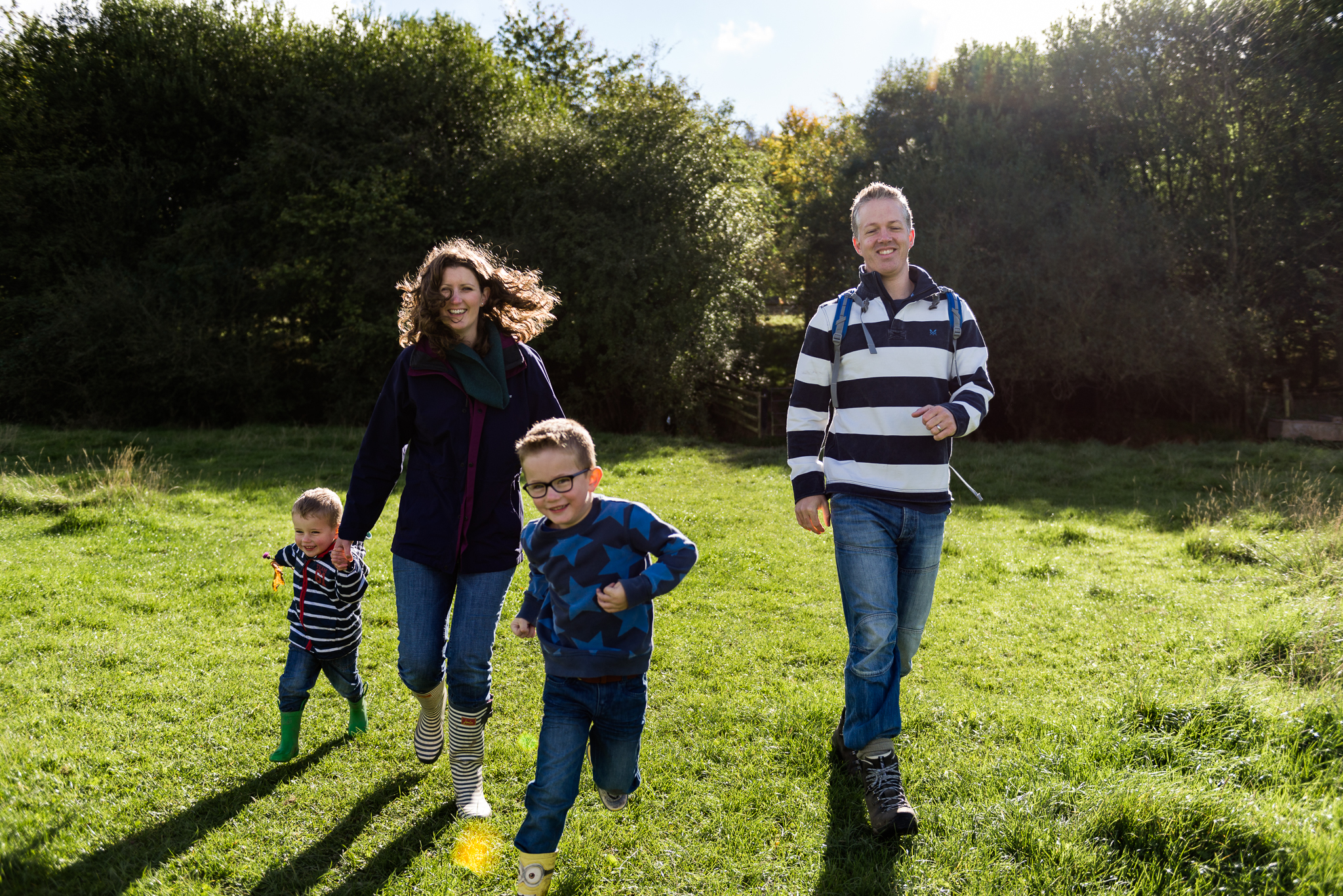 Documentary Family Photography at Clent Hills, Worcestershire Family Lifestyle Photography Woods Outdoors Trees Flying Kite - Jenny Harper-25.jpg