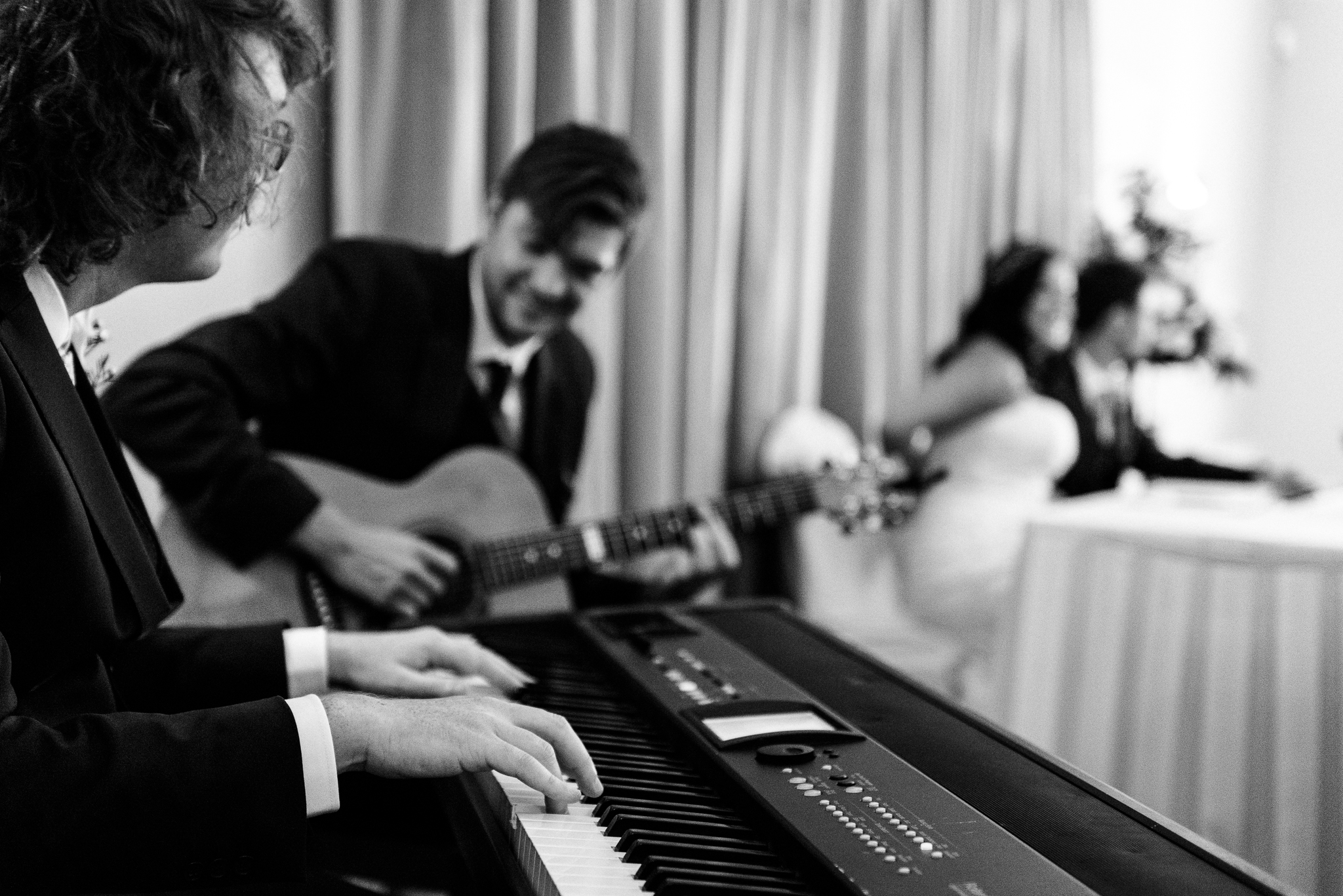 Relaxed Summer Wedding at The Manor, Cheadle Guitarist Musicians Vinyl-25.jpg
