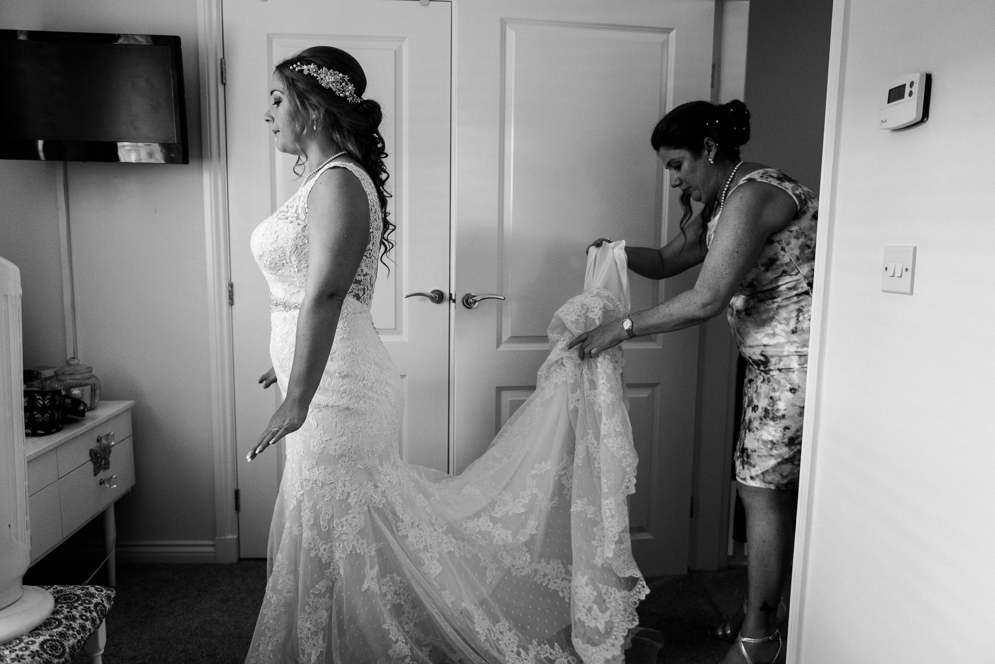 Summer Wedding Photography at Slater's Country Inn Staffordshire Colourful Pastels - Jenny Harper-15.jpg