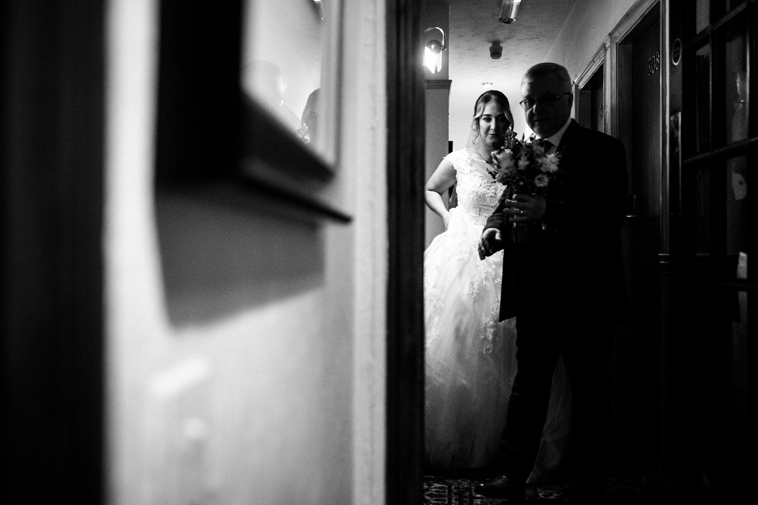 Autumn Wedding Photography at The Three Horseshoes, Blackshaw Moor, Staffordshire Moorlands - Jenny Harper-19.jpg