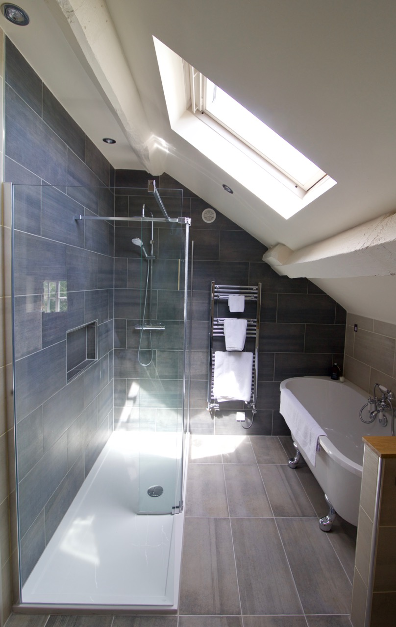 Room 7 the loft Coach House Norbury bathroom suite.jpg