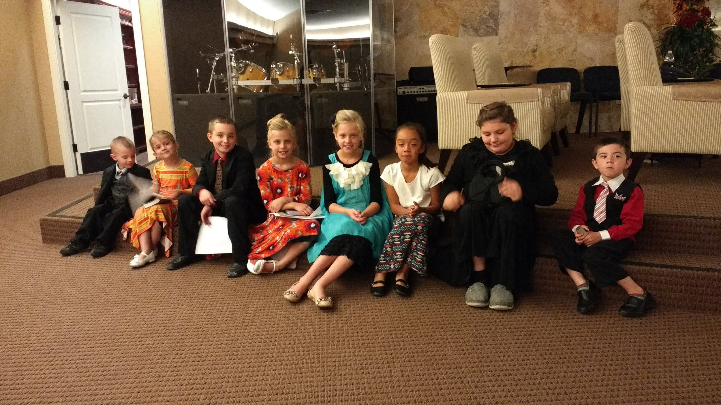From left to right: Jordan, Megan, Dallas, Mandy, Emily, Espranza, Fantasia, Jared